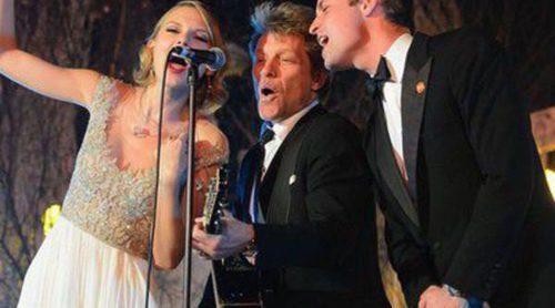 El Príncipe Guillermo, todo un artista cantando 'Living on a prayer' con Jon Bon Jovi y Taylor Swift