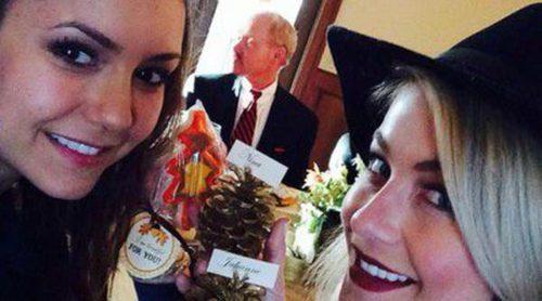 Nina Dobrev pasa Acción de Gracias con la familia de Derek Hough