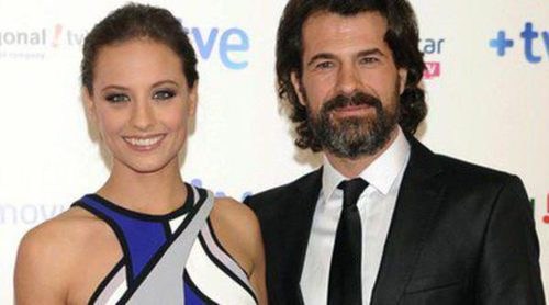 Xenia Tostado celebra con Michelle Jenner y Rodolfo Sancho el final de la segunda temporada de 'Isabel'