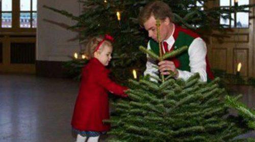 Victoria de Suecia lleva a la Princesa Estela a recoger árboles de Navidad para la Familia Real