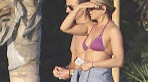 Jennifer Aniston presume de tipazo junto a Justin Theroux en México