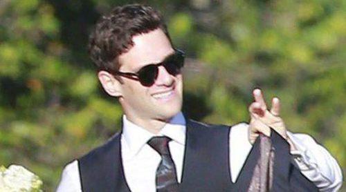Justin Bartha y Lia Smith se casan en una boda con Reese Witherspoon y Jesse Eisenberg como invitados
