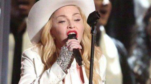 Madonna casa a 34 parejas homosexuales y heterosexuales en la gala de los Grammy 2014