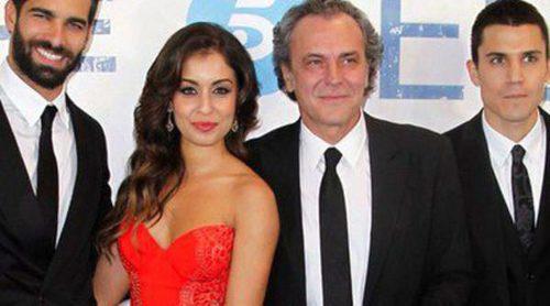 Rubén Cortada, Hiba Abouk, José Coronado y Álex González se rodean de famosos para estrenar 'El Príncipe'