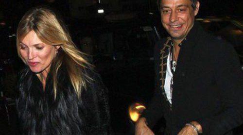 Kate Moss, de fiesta en fiesta con su marido Jamie Hince