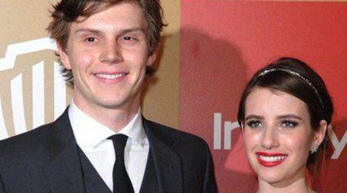 Emma Roberts y Evan Peters disfrutan de una romántica noche en París antes de los Oscar 2014