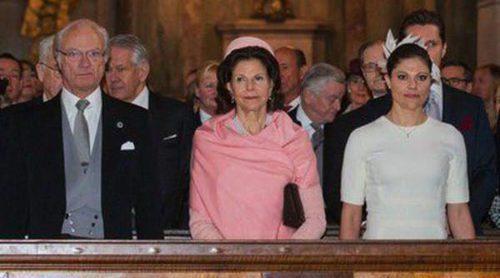 Los Reyes de Suecia, los Príncipes Victoria, Daniel y Carlos Felipe celebran el nacimiento de la Princesa Leonor