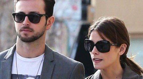 Ashley Greene disfruta de un romántico almuerzo con su novio Paul Khoury
