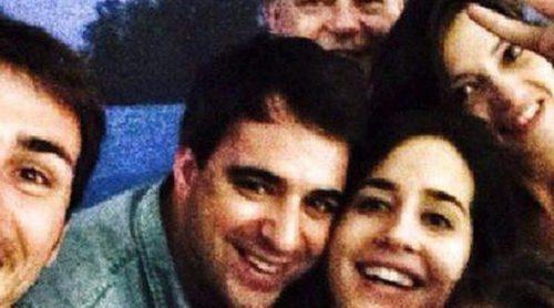 Iker Casillas y Sara Carbonero también se apuntan a la moda de los 'selfies'