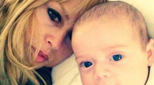 Rachel Zoe apunta a su hijo Kaius Jagger a la moda de lo 'selfies'