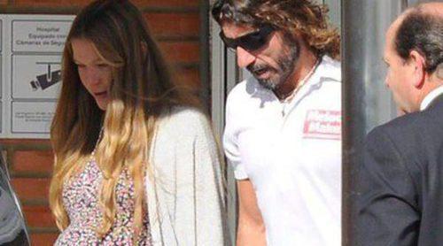 Javier Hidalgo acompaña a Sol González a una de las últimas revisiones antes de ser madre