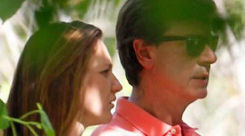 Cayetano Martínez de Irujo se lleva a la hípica a su novia Melani Costa