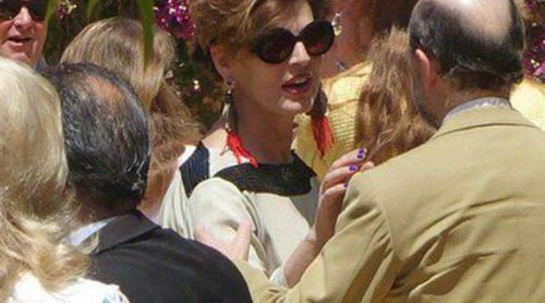 La Duquesa de Alba celebra una recepción en Dueñas con Antonia Dell'Atte y Genoveva Casanova como invitadas