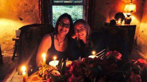 Jane Lynch y Peter Facinelli, entre los invitados a la boda de Melissa Etheridge y Linda Wallem en California