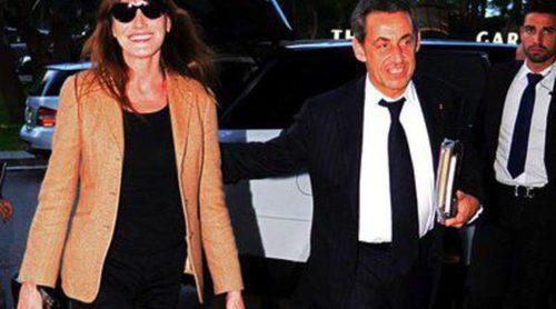 Carla Bruni llega a Barcelona junto a Nicolas Sarkozy para ofrecer su primer concierto en España