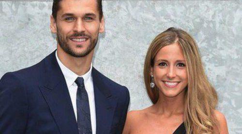 Fernando Llorente y su novia María, invitados de lujo al desfile de Armani en Milán