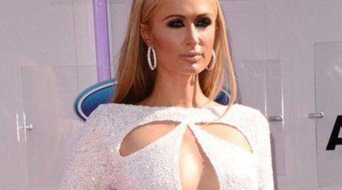 Paris Hilton, Michelle Williams y Pia Mia pasean por la alfombra roja de los Premios BET 2014