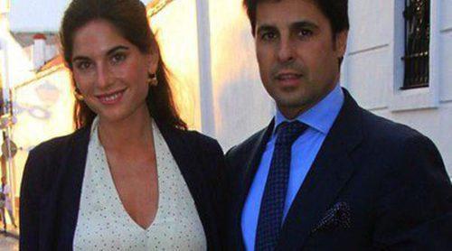 Fran Rivera da el pregón en Almonte arropado por Lourdes Montes y Cayetana Rivera una semana antes de su boda