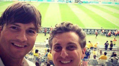 Alessandra Ambrosio, Adriana Lima y Ashton Kutcher apoyan a Brasil en la semifinal del Mundial 2014