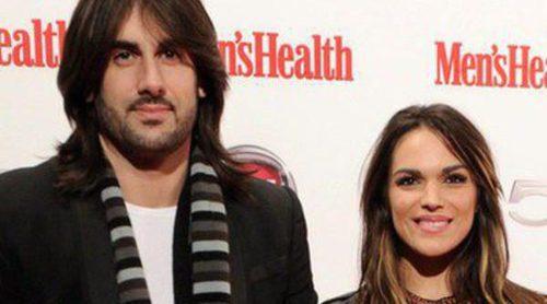 Melendi y La Dama rompen su noviazgo tras ocho años juntos y un hijo en común