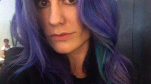 Anna Paquin se tiñe el pelo de azul y morado para cumplir su sueño de ser sirena