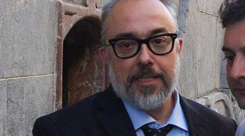 Álex de la Iglesia y Aitor Mazo despiden a Álex Angulo en un homenaje en Bilbao