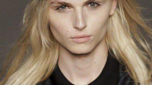 La modelo Andreja Pejic ofrece una entrevista hablando abiertamente de su transgénero