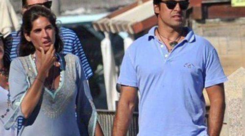 Fran Rivera y Lourdes Montes pasean su amor por Marbella durante su segunda luna de miel