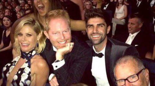 Kerry Washington se cuela en una foto de los actores de 'Modern Family' en los Emmy 2014