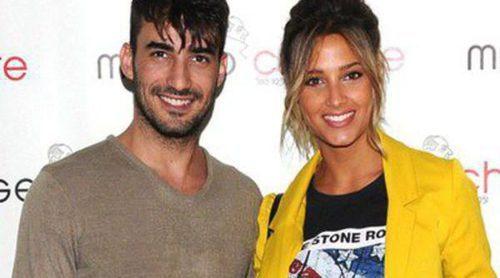 Israel Rodríguez y Corina Randazzo ya posan como pareja en el photocall