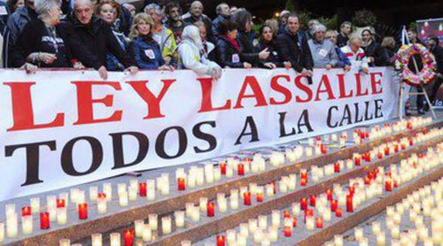 Fran Perea, Antonio Velázquez, Pilar Bardem y Dafne Fernández se manifiestan contra la Ley Lasalle