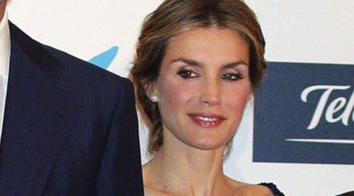 La Reina Letizia coincide con Jaime Peñafiel en la entrega de los Premios Internacionales de Periodismo 2013