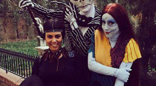 Kourtney Kardashian disfruta de un día de Halloween en Disneyland con sus hijos Mason y Penelope