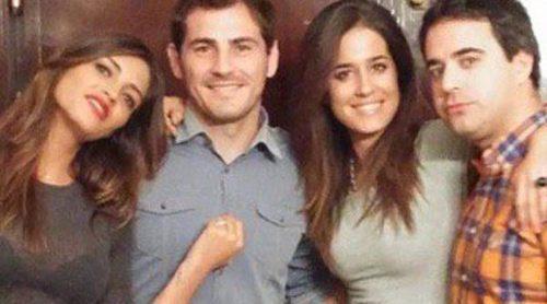 Sara Carbonero e Iker Casillas celebran la victoria del Real Madrid junto a Isabel Jiménez