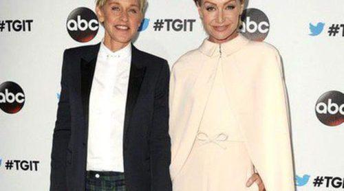 Ellen DeGeneres y Portia De Rossi felicitan la Navidad 'a lo Kim Kardashian'