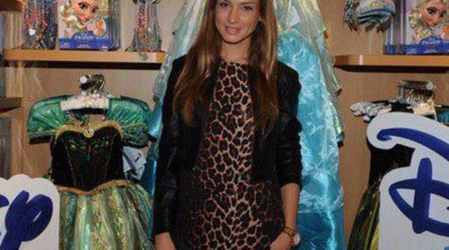 Mireia Canalda, Raquel Jiménez, Octavi Pujades y Shakira acudieron a la apertura de una tienda infantil en Barcelona
