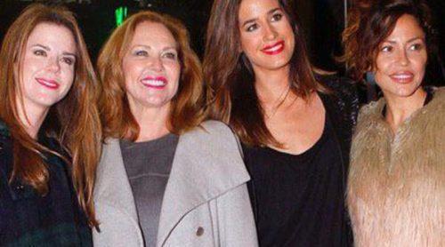 Amelia Bono, Isabel Jiménez, Patricia Pérez y Fonsi Nieto bailan al ritmo de Raphael