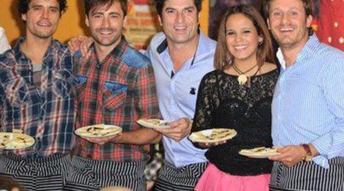 Miguel Abellán, Gloria Camila, Juan Peña y Fonsi Nieto, camareros por un día en el Rastrillo 2014