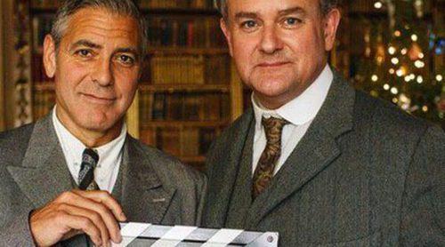 George Clooney posa con Hugh Boneville para promocionar su participación en 'Downton Abbey'
