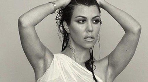 Kourtney Kardashian se desnuda antes de dar a luz a su tercer hijo