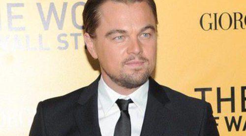 Leonardo DiCaprio aparece con varias mujeres a la salida de una fiesta a la que acudió sin su novia Toni Garrn
