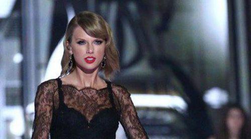 Taylor Swift asegura estar felizmente soltera y pide que dejen de ponerle novios