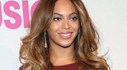 Beyoncé y Taylor Swift celebran el éxito de las mujeres en la música en el Billboard Women in Music 2014