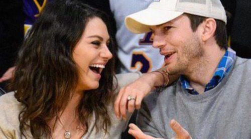 Mila Kunis y Ashton Kutcher derrochan pasión y complicidad en un partido de baloncesto