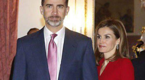 Los Reyes Felipe y Letizia se reúnen con los Grandes de España antes de empezar las vacaciones de Navidad