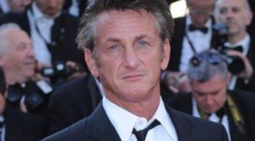 Sean Penn llama 'cerda' a María Conchita Alonso por sus diferencias políticas respecto a Hugo Chávez