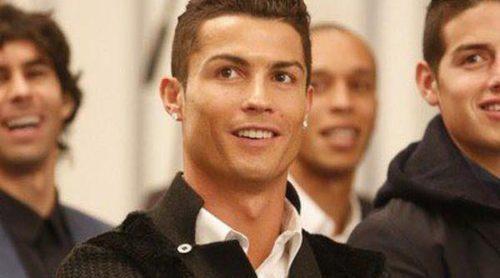 Cristiano Ronaldo y el Pequeño Nicolás se disputan la atención mediática en un acto público