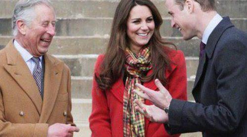 El Príncipe Carlos, preocupado porque los Duques de Cambridge y el Príncipe Jorge pasan demasiado tiempo con los Middleton