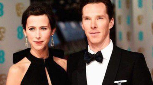 Amor en los BAFTA 2015: Keira Knightley y James Righton y Benedict Cumberbatch y Sophie Hunter y Eddie Redmayne y Hannah Bagshawe