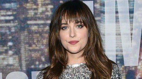 Dakota Johnson brinda por el éxito de Anastasia Steele con Olivia Wilde, Taylor Swift y Kerry Washington
